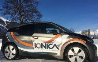 ionica e-mobilität fahrzeugbeschriftung