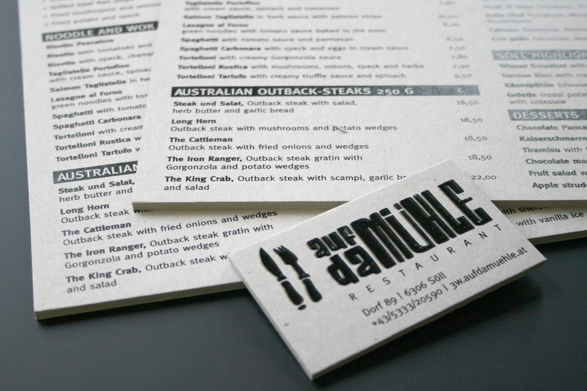 Speisekarten aus Graukarton mit Spezialdruck