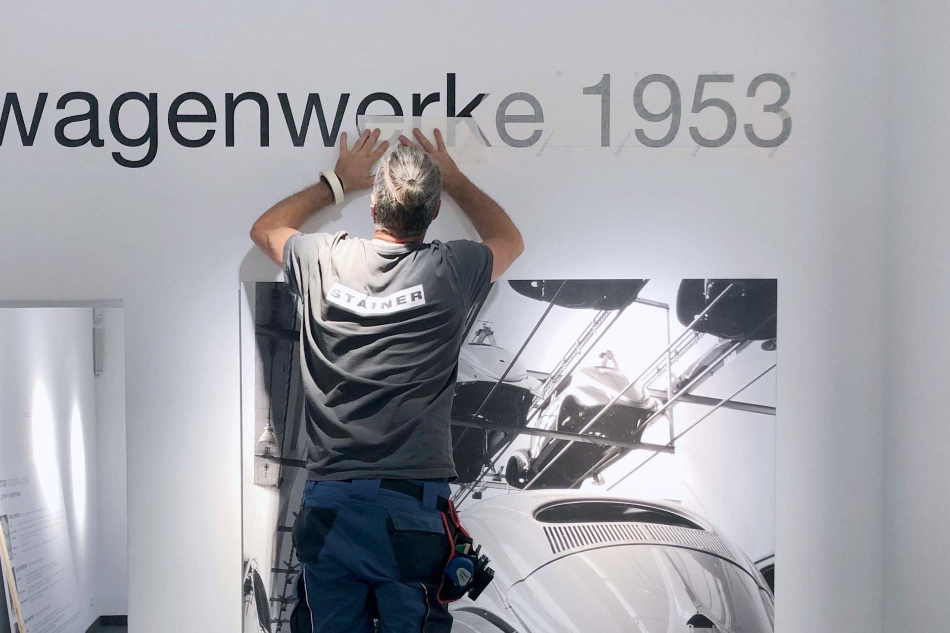 Folierung von Wand in Ausstellung