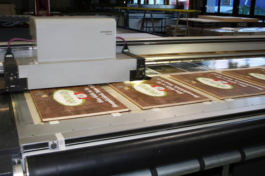 UV-Direktdruck auf Holz